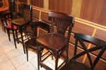 дървени столове с атрактивен дизайн с топ качество