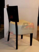 издръжливи дървени столове с атрактивен дизайн