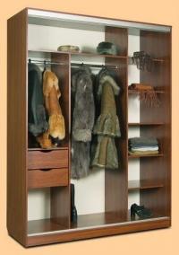 Изработка на гардероб по индивидуална поръчка