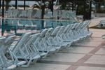 Вносни шезлонги за басейн